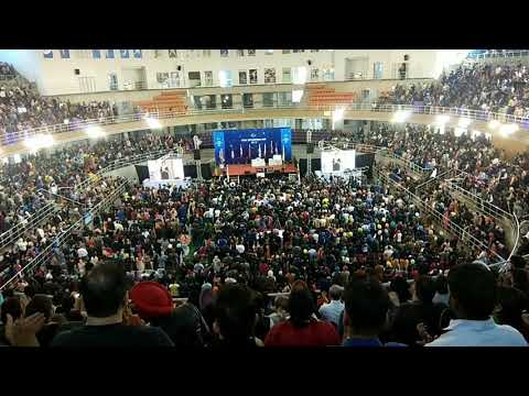 Crowd out of control at Ludhiana||amway||ajitpal singh welcome||