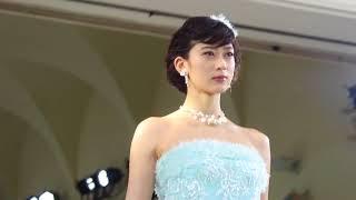 神田うのさんプロデュース・ウェディングドレスブランド『シェーナ・ドゥーノ』新作発表ショー