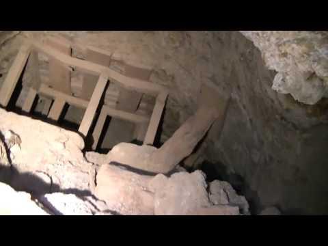 Exploring Basic Abandoned Gold Mine boring ghostless underground