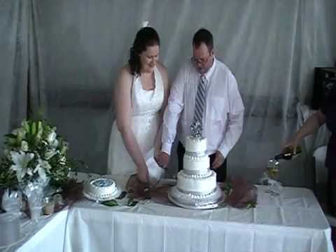 holly-and-alan's-wedding---cake/champagne