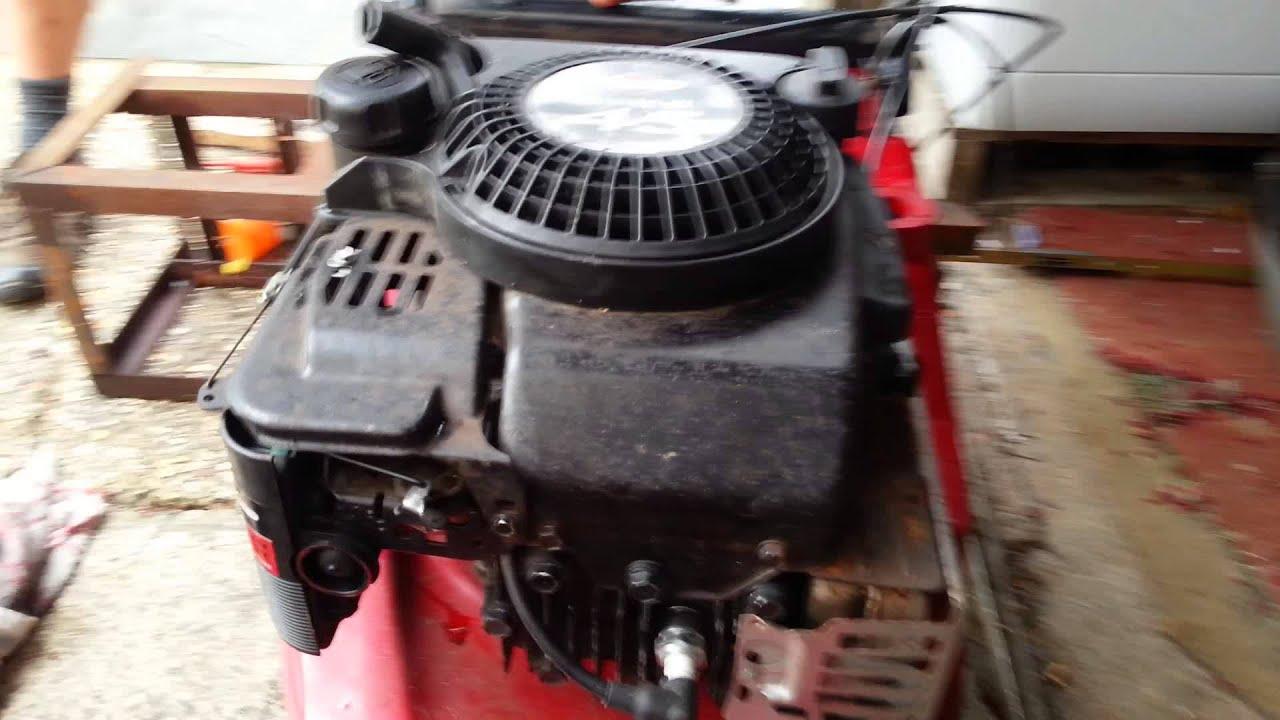 Briggs and Stratton Quantum 45 engine - YouTube
