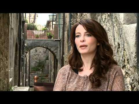 The American - Interview Violante Placido VO - YouTube