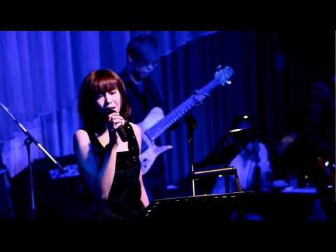 "2010.4.27. Olivia Ong @ Brown Sugar Part 2 ""Sometimes When We Touch """