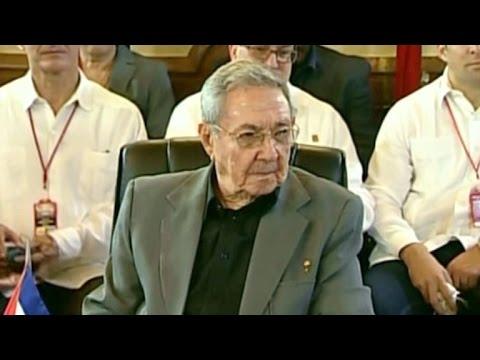 Muro de Trump es una irracionalidad, dice Raúl Castro