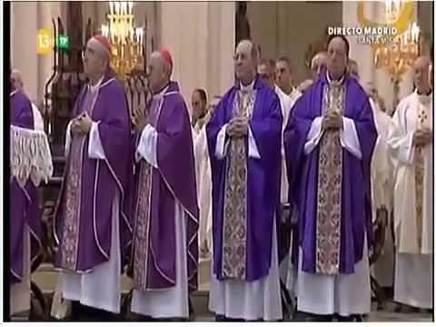 Carmen Hernandez - Misa Cuerpo Peresente (Camino Neocatecumenal) 'Catedral de La Almudena'