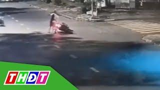 Băng nhóm giật túi xách, cướp xe máy táo tợn tại TP.HCM | THDT