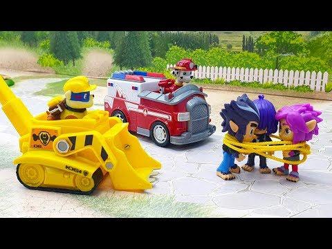 Мультики про машинки новые серии - Ромео помогает щенкам! Детские видео 2020 с игрушками.
