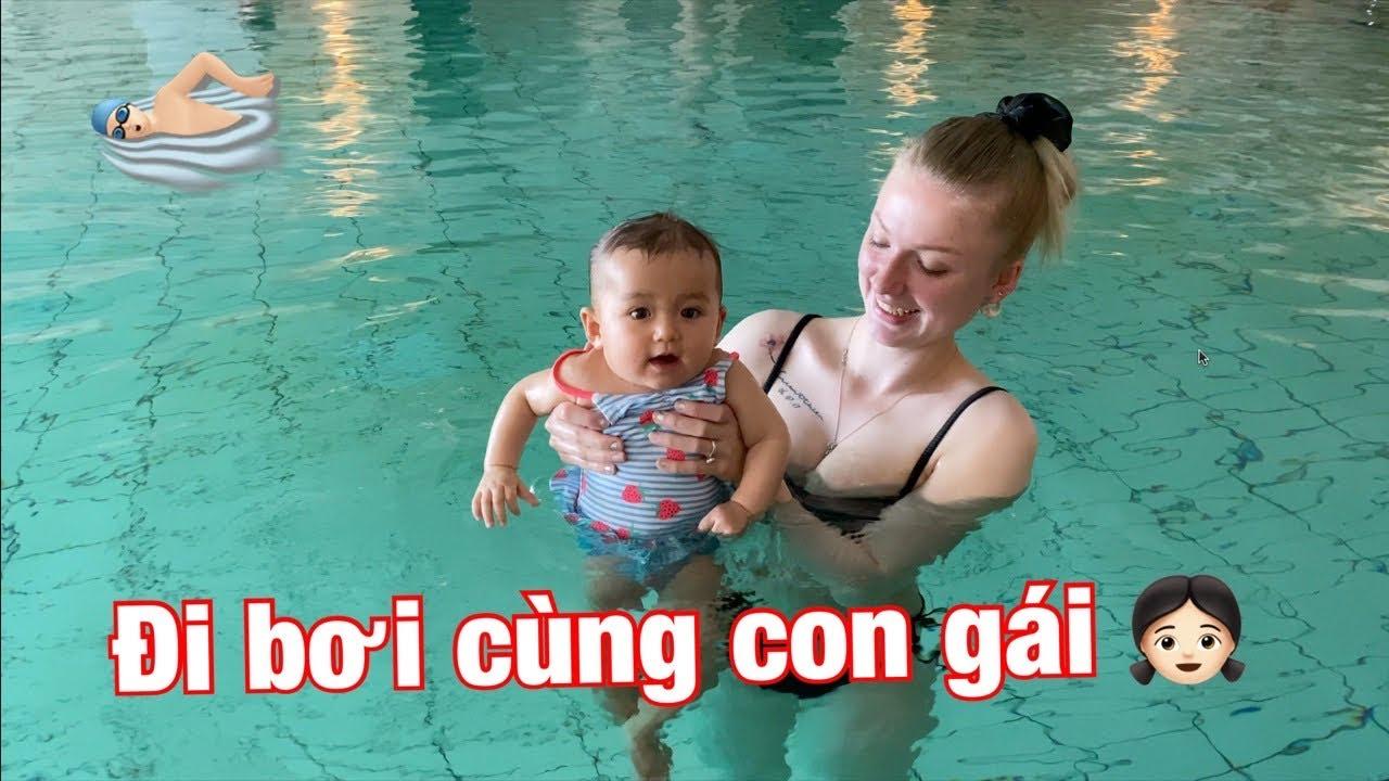 #151: Dắt con gái 8 tháng tuổi đi học bơi tại Đan Mạch