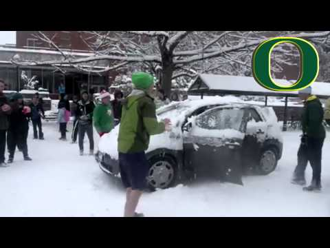 Oregon Ducks Football Snowball Fight Players Get Suspended.