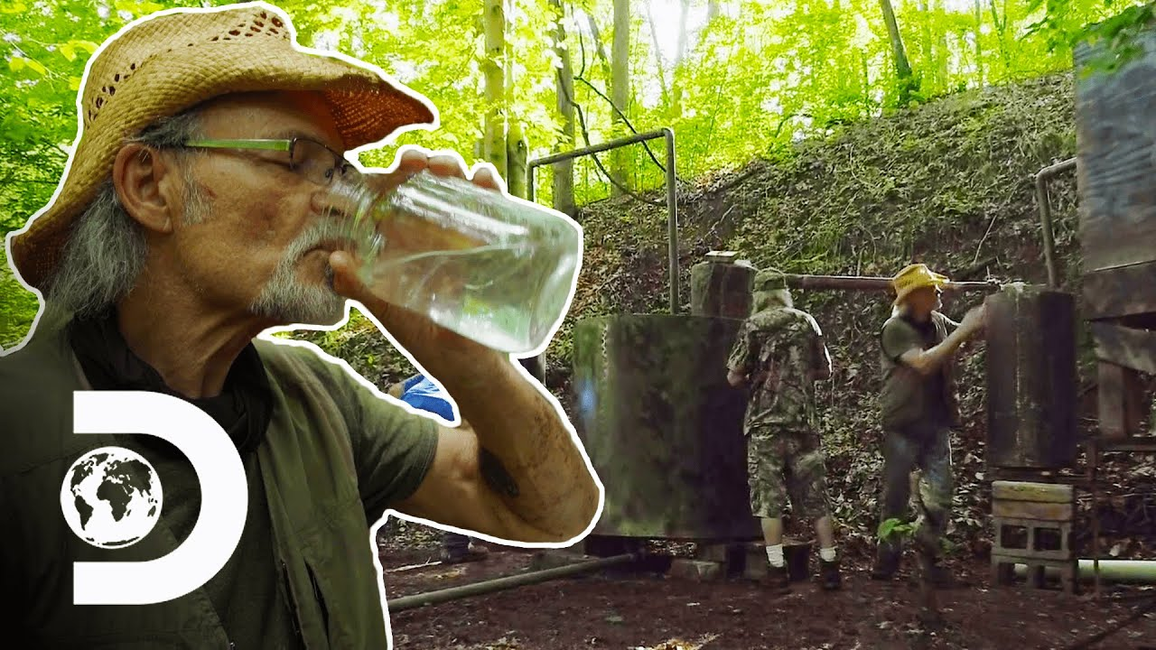 Tickle And The Laws Are On The Hunt To Find New Ground With A Storied Past | Moonshiners