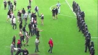 Nach dem Spielende: Eintracht Frankfurt-1860 München (29.04.2012)