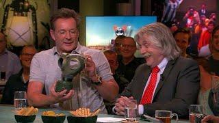 Gerard Joling zet gasmaker niet op: ''Johan ruikt fris en fruitig''  - VI ORANJE BLIJFT THUIS