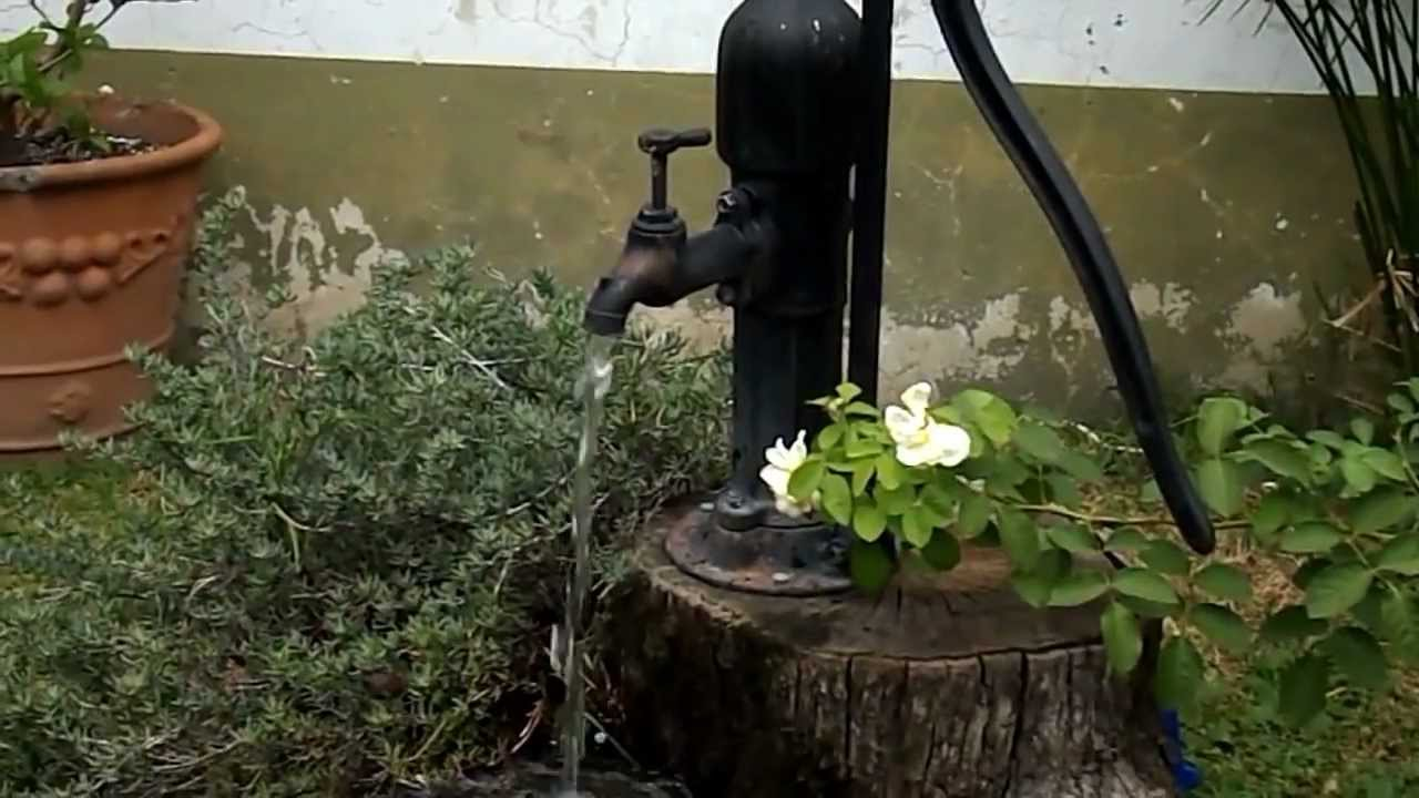 Fuente bomba antigua youtube for Bombas para fuentes de jardin