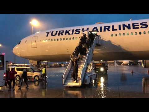 "Turkish Airlines: Boeing 777-300ER New York to Istanbul ECONOMY CLASS ""Full Flight"""