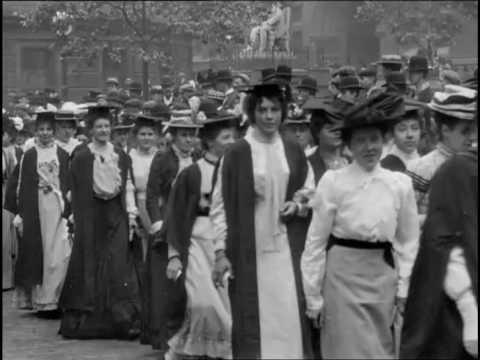 University Procession on Degree Day, Birmingham (1901)