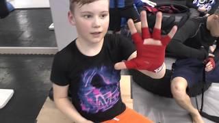 видео Перчатки ММА для тренировок и единоборств, купить перчатки MMA для боев без правил
