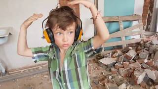 VLoG # 26 ШОК Детский ТРУД на стройке | Демонтаж | SHOW Must GO ON | Ремонт коттеджа