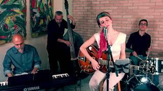 Lucia Zorzi & Sampaname Jazz Trio - On the sunny side of the street