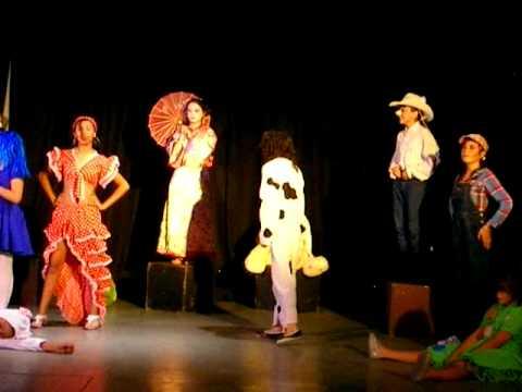 Karol graciela actuando en la obra de teatro mu eca fea for La cocina obra de teatro