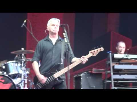 THE STRANGLERS @ RETRO C'TROP, TILLOLOY 24 06 17 TANK +NO MORE HEROES