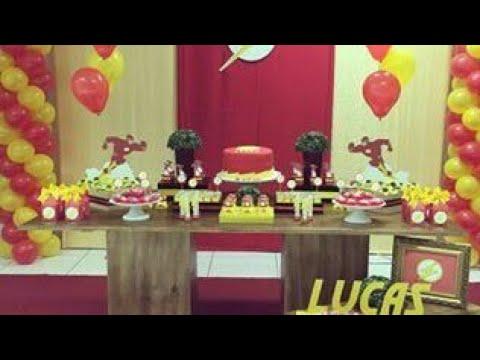 Fiesta de flash party boys ideas mesa de dulces decoracion for Mesas decoradas para fiestas