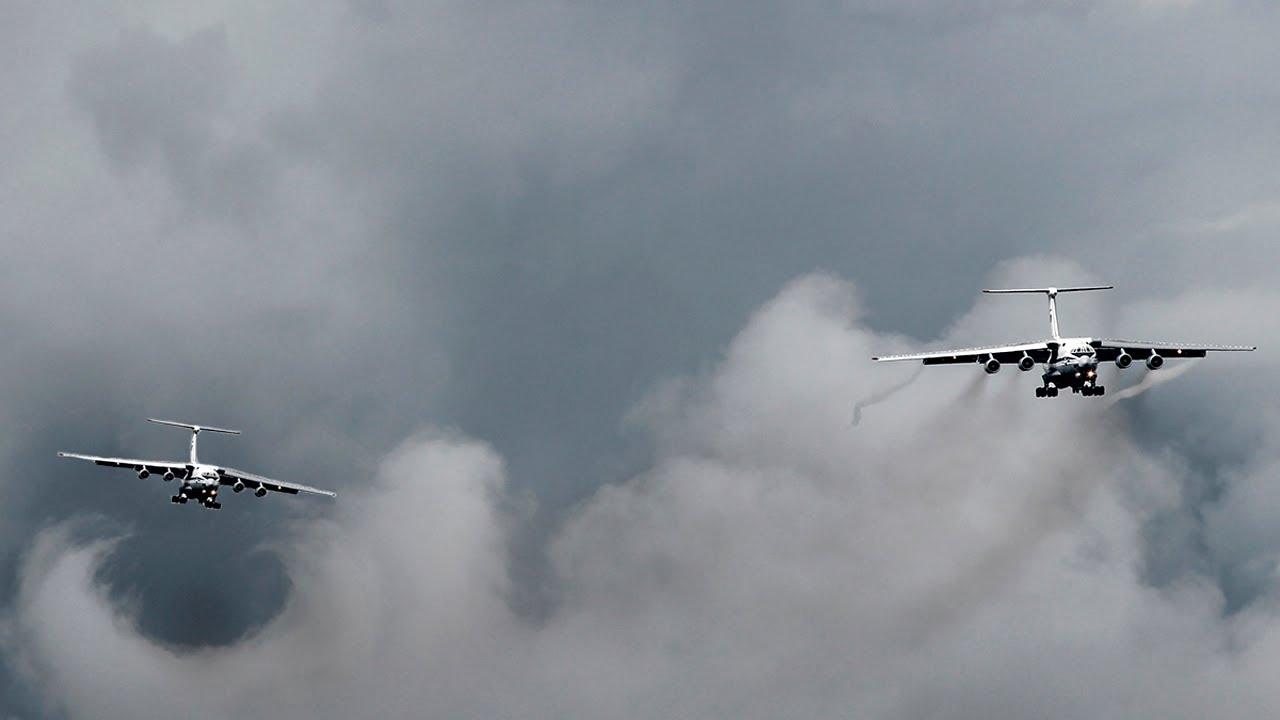 Четыре Ил-76 с вихрями на посадке / 90 лет ВДВ / Тверь - Мигалово