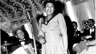 Ella Fitzgerald - When My Sugar Walks Down The Street 1944