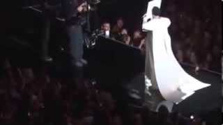 Lady Gaga Applause at the 2013 VMA Audience vision