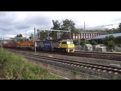 XRN028 & GWU009 with G & W Australia 1583 - 13/5/18