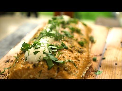 Филе лосося подкопченое на кедровых дощечках
