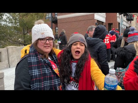 'We Love You' Say Kansas City Chiefs Fans Waiting For Super Bowl Parade