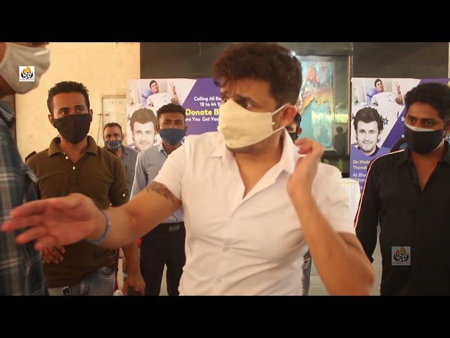 Sonu Nigam Spotted For Inaugurate & Donate Blood In Blood Camp Organised By Ameet Satam Adarsh Found