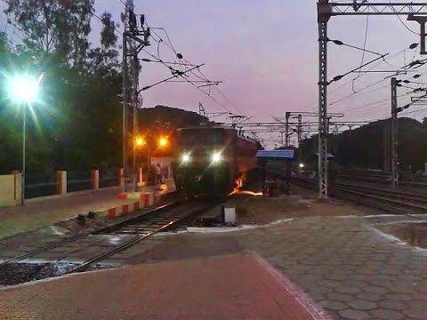 Kanyakumari - Mumbai CST Express arrives Coimbatore