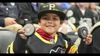 NHL: Fans Receiving Souvenirs