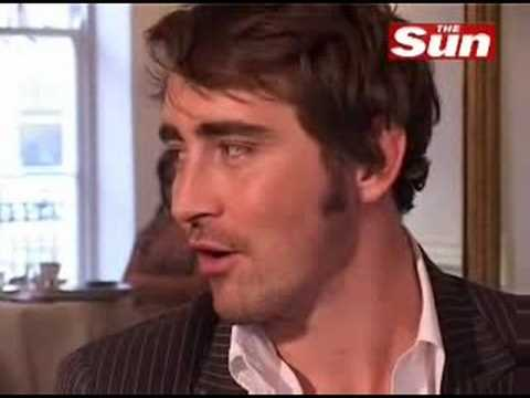 Pushing daisiesLee Pace and Anna Friel