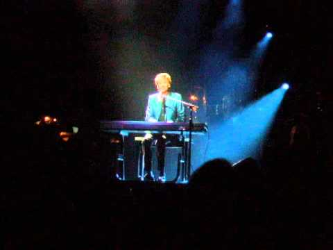 "Barry Manilow ""Trying to Get the Feeling Again"" (Pittsburgh 4.19.2013)"