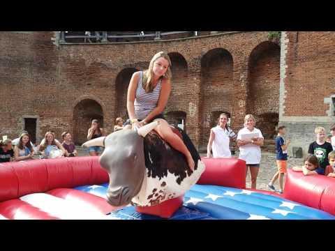 Rodeostier van mcj attractions is altijd een topper op uw evenementen!