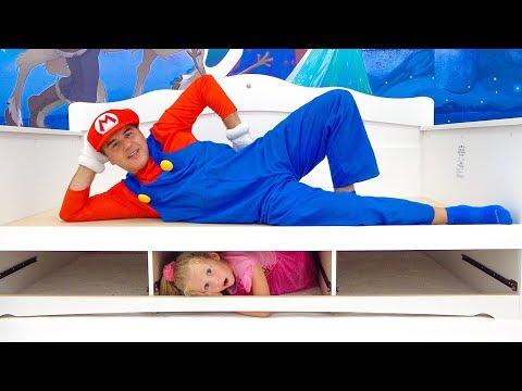 Настя и её новая комната в стиле принцессы Эльзы