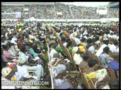 "Pope celebrates Mass in Benin: ""Let us allow Christ to free us from the world of the past!"""