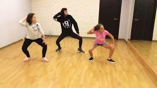 Девчонки танцуют под песню Деспасито / Despacito