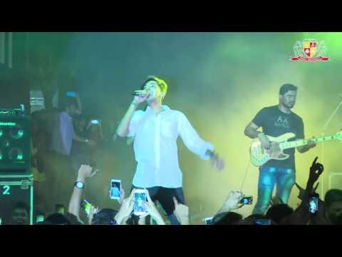 Darshan Raval Live  - Aye Mere Humsafar Song | Parul University