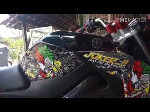 Pasang Stiker Decal Motor Yamaha Vixion Joker Youtube
