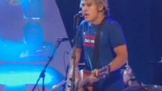 Busted performing 3am on TOTP.