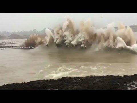 شاهد: تفجير سد في الصين  - نشر قبل 3 ساعة