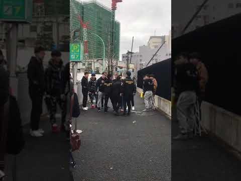 supreme渋谷店で警備のBONDSと中国人転売ヤーが乱闘