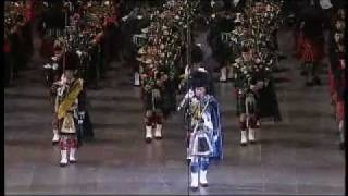 Massed Pipes and Drums am Berlin Tattoo 2011 in der O2 World