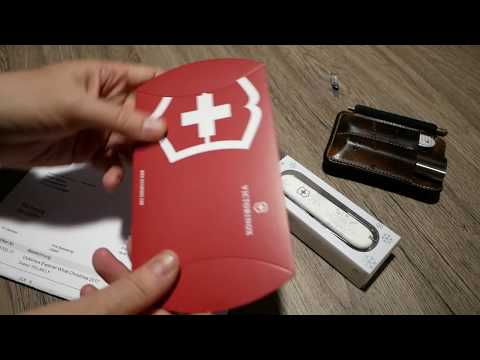 """Unboxing: Victorinox Explorer White Christmas """"HILLBILLY"""" Special Edition 2017 