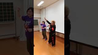 草加健康センターでカラオケ。氣志團のコスプレ、翔OZMAさん歌唱。