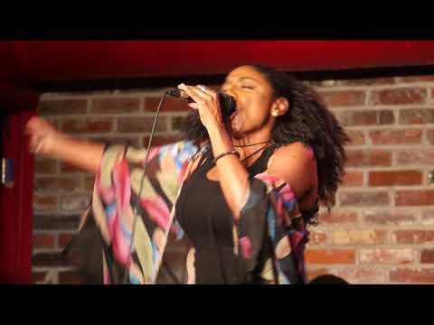 Kayrn White singing