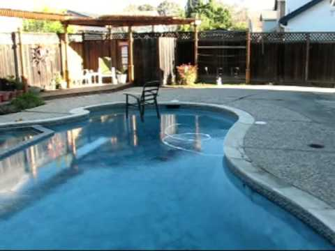 Frozen Swimming Pool January 17 2007 San Jose Ca Youtube